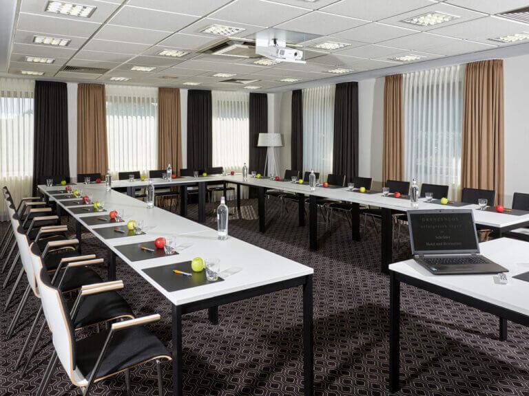 Großer Tagungsraum für Seminare zwischen Hamburg und Bremen