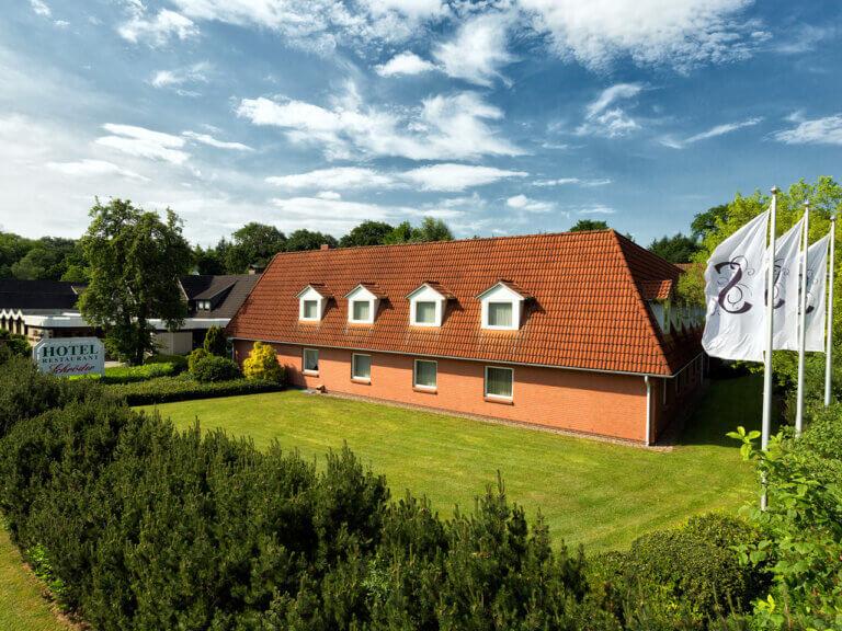 Außenansicht des Landhotels Schröder zwischen Hamburg und Bremen