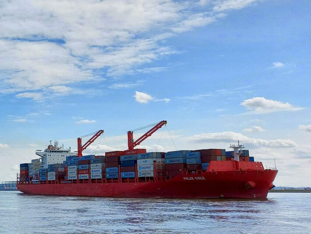 Containerschiff vor Cuxhaven